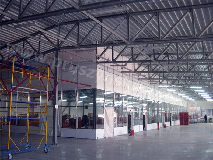 Фото 4. ЛСТК конструкции для быстровозводимого здания: прямоугольная ферма (с параллельными поясами) с колонной посредине (г. Луганск).