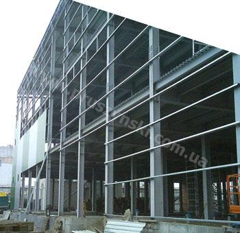 Фото 2. Холоднокатаные С-профили в качестве стеновых прогонов при новом строительстве
