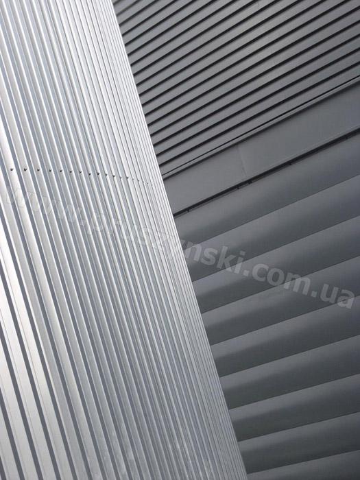 Фото 2. Профлист Т-20 А и В в комбинации со стеновыми ПС-панелями
