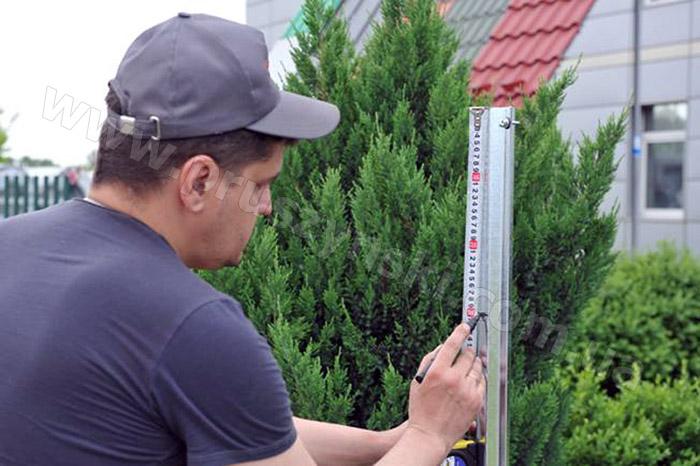 instrukciya-po-ustanovke-zaborov-i-ograzhdenij-iz-metallicheskogo-shtaketnika-svoimi-rukami (7)